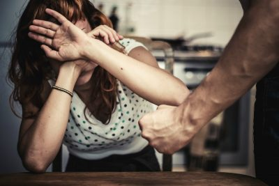 Adalet Bakanlığı'ndan yeni genelge: Kadına yönelik şiddete karşı özel büro!